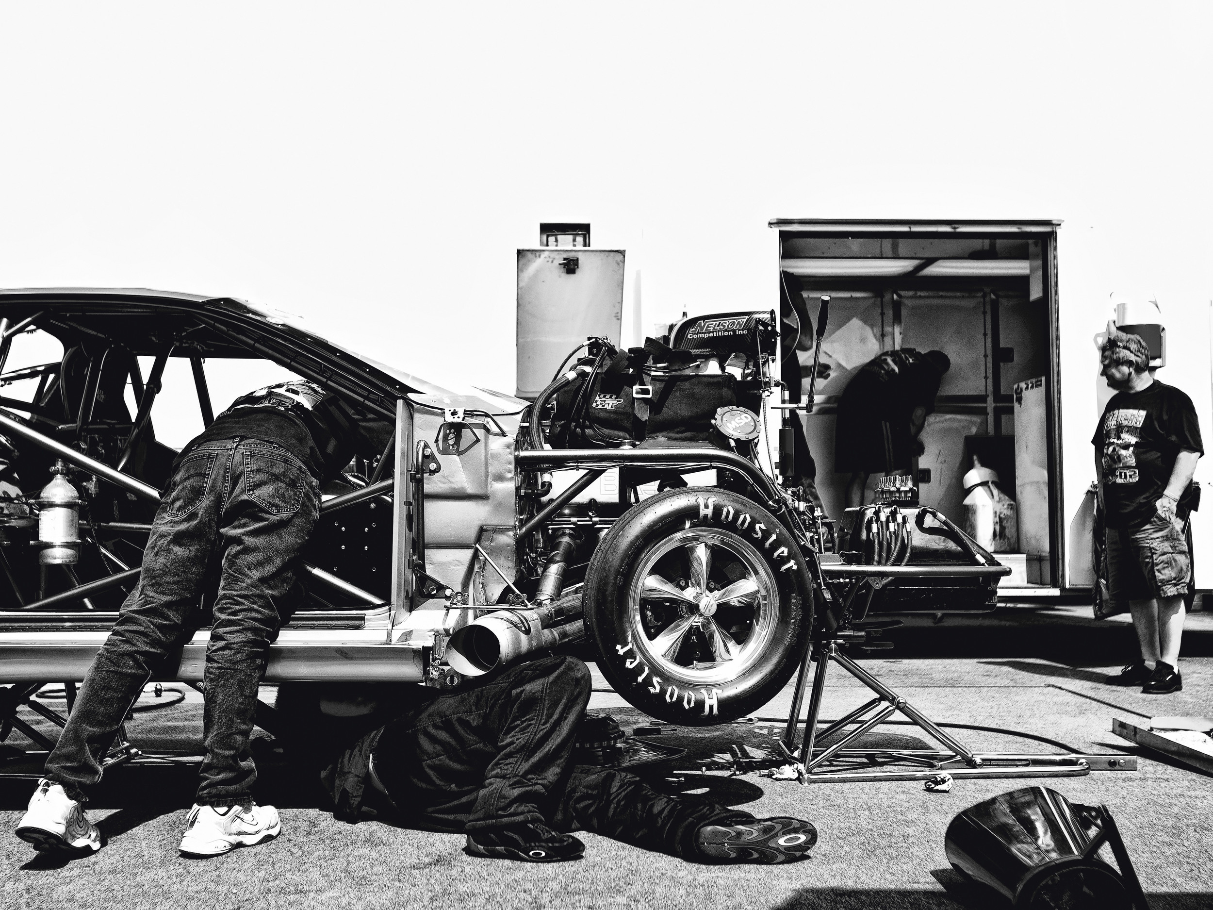 DRAG RACE PITS © TODD SPOTH