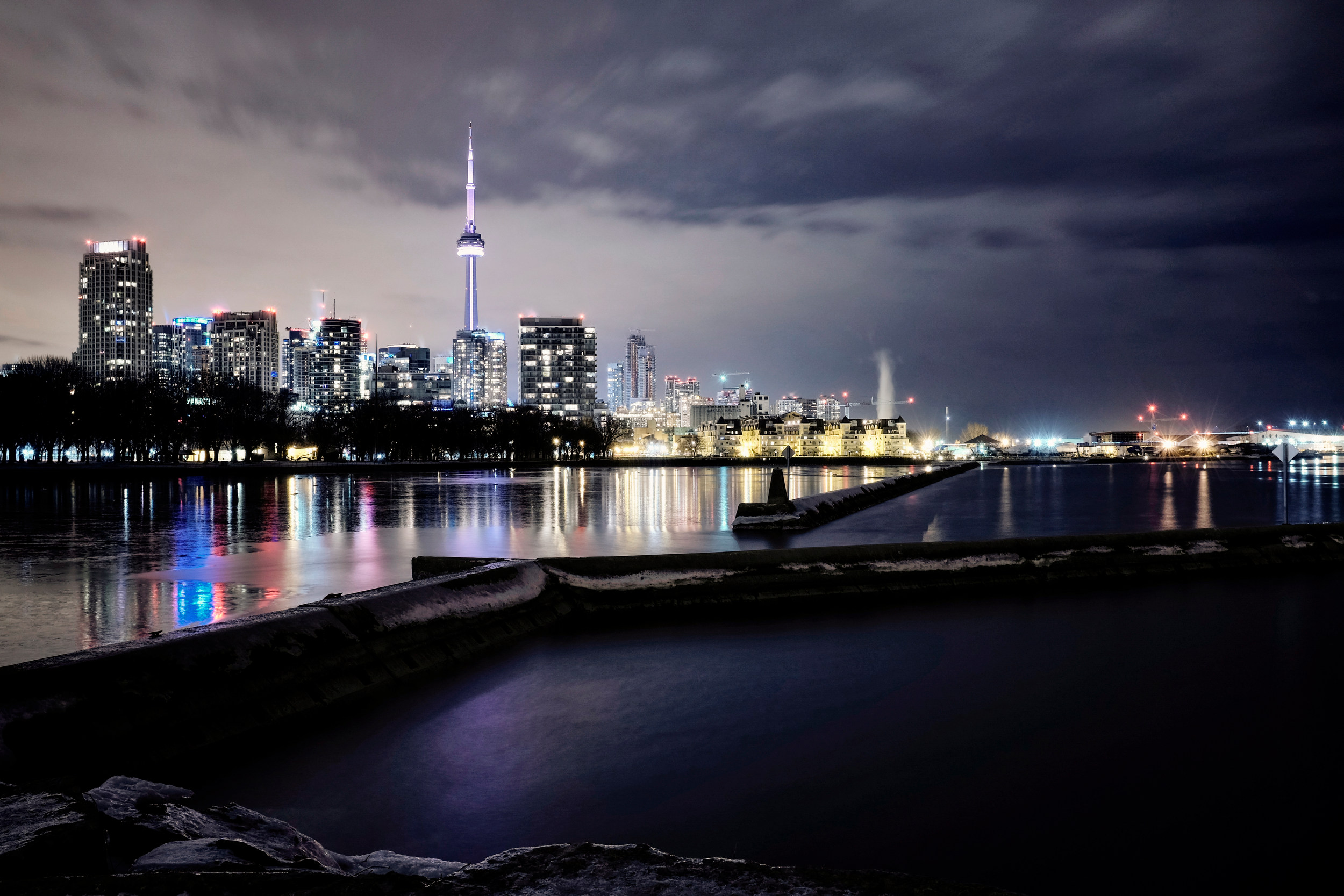 TORONTO NIGHTSCAPE © TODD SPOTH